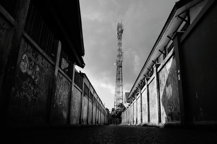 Empty street in the morning Photography Banjarmasin Canoneosm3