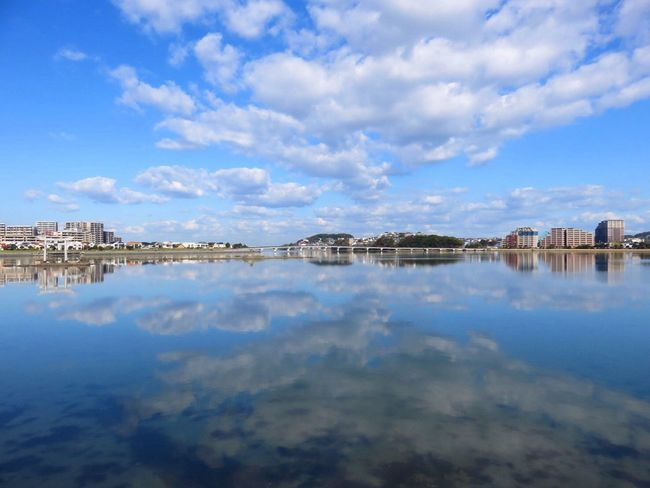 Water Reflection Sky Built Structure Architecture Cloud - Sky Waterfront Sea Outdoors Travel Destinations Scenics Nature Day City Beach No People Beauty In Nature
