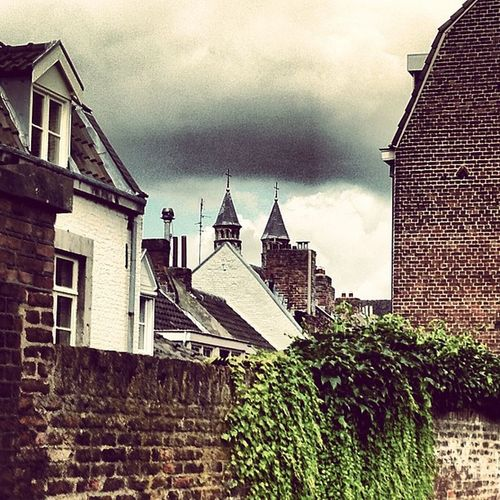 #maastricht #netherlands #roof #roofs #wall #brick #sky #cloudporn #clouds #ivy #grey #skyporn #instabest #instagood #instagram #picoftheday #pictureoftheday #photooftheday #building #house #archigood #architecture 10 Instabest Grey Archigood House Tenlikes Brick Maastricht Cloudporn Ivy Photooftheday Skyporn Architecture Instagram Clouds Picoftheday Roof Netherlands Snapshot 10likes Sky Roofs Holland Instagood Building Nederland Wall Pictureoftheday