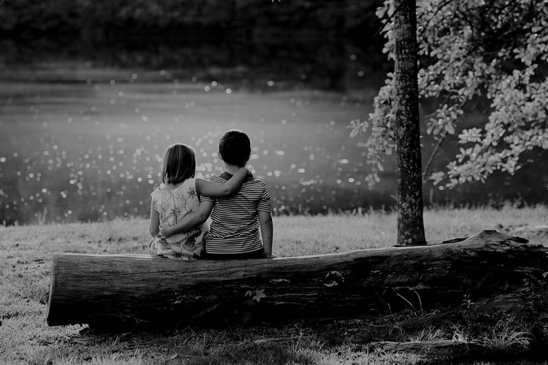 Lake Looking Away Backgrounds Behind Log Wallpaper Togetherness Two People Love Bonding Childhood Nature Water People Bestoftheday Best Friends Best EyeEm Shot EyeEm Best Shots Outdoors Idyllic Tranquility Art Is Everywhere EyeEm Gallery Exceptional Photographs Photo Of The Day Breathing Space