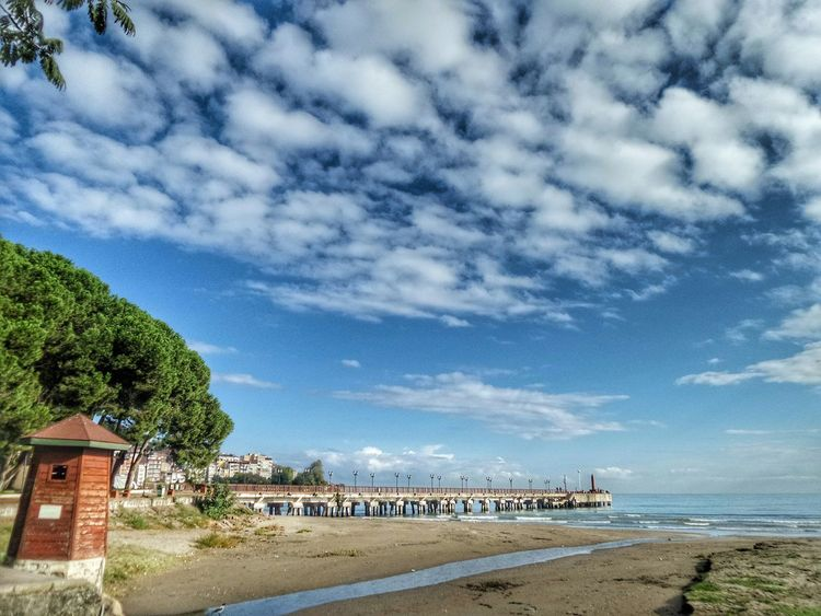 Bir yabancı kadar uzaksın sen! Neden ey sevgili? Neden! ! ? ? Gideceksen şimdi git! Ama geleceksen bekletme Yoruldum artık anlıyor musun? Ne zaman? Hangi yoldan geleceğini beklemekten.. Şu an seninle doluyum ya yar! İnan ki vazgeçtim artık kendimden... Günaydın Photooftheday Landscape Cloud - Sky Ig_shutterbugs Morning Sun Gunaydinnn😊🌞✌ Good Morning! Good Morning First Eyeem Photo Blacksea EyeEm Selects VSCO Hello World Vscocam Hi! ünye Benimkadrajim Ig_captures Thaking Photo Instagood Zamanidurdur Sky Goodmorning :) Instalove