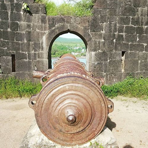 KalakBangadi 3rd largest cannon in India weighing 22 tons Janjirafort Alibaug Alibag Indianhistory Historical