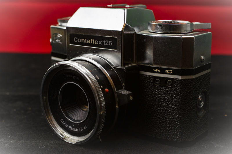 126 Film 126 Film Slr Analog Camera Analogue Photography Classic Camera Contaflex Contaflex 126 Zeiss Ikon Zeiss Ikon 126 Zeiss Ikon Contaflex Camera - Photographic Equipment Classic Zeiss Ikon Close-up Indoors  No People Photography Themes Retro Styled Still Life Technology Vintage Camera
