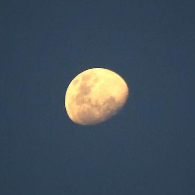 Bulan kesiangan... Moon Sky ALaM Semesta universe