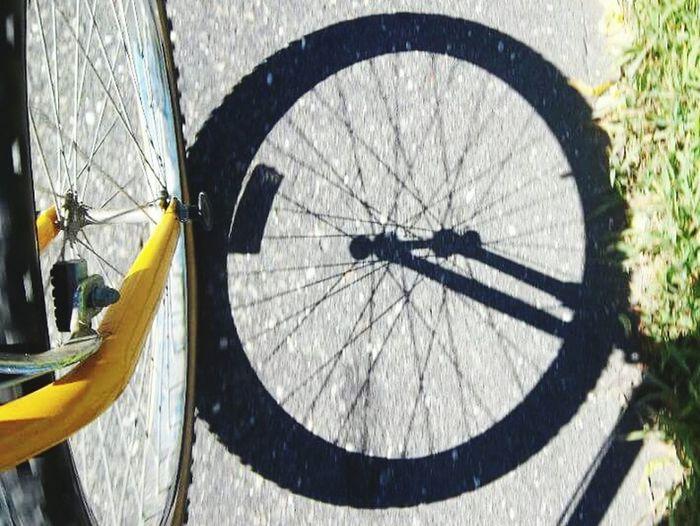 Two wheels are better than four. Shadow Ordinary  Adventure Lifesabeach  ArtInMyLife Beholder Sun Perspective Bikesaroundtheworld Bikelife Wheel Ride Photographyinmotion Celebrate Your Ride Twowheels Bikers Bike Ride Bike