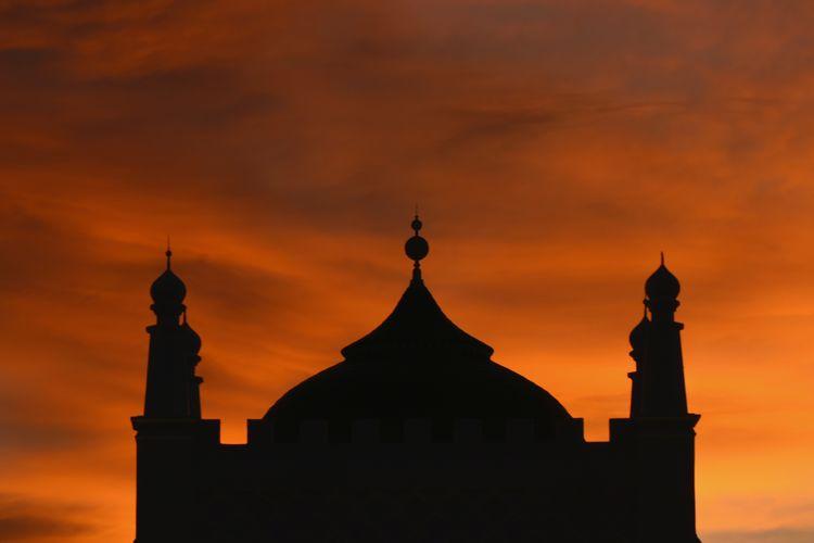Baiturrahman grand aceh mosque Architecture Aceh Sunset Sky Built Structure Building Orange Color Building Exterior Silhouette Religion Cloud - Sky Belief Place Of Worship Spirituality Nature No People Dome Travel Destinations Tower Outdoors Spire