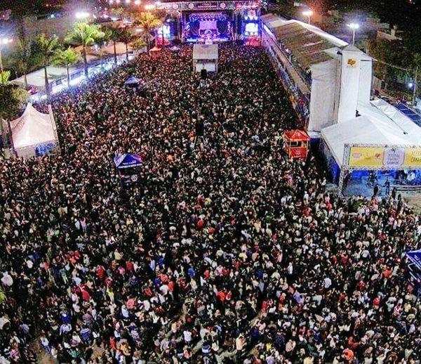 Festival De Inverno De Garanhuns Pernambuco -Brazil Show Do Capital Inicial Rock Nacional 50mil Pessoas Noite Perfeita Muita Garoa E Gritou <3