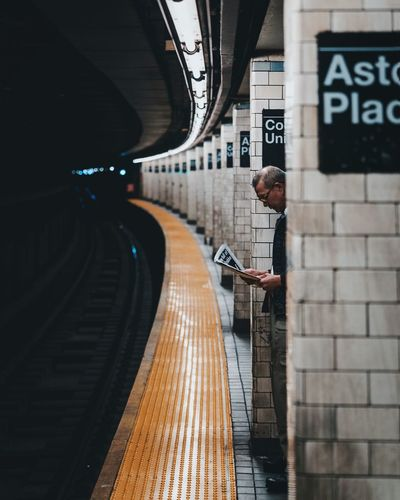 @itchban / itchban.com Lifestyles Men One Person Public Transportation Rail Transportation Railroad Station Platform Real People Standing Street Photography Transportation The Street Photographer - 2018 EyeEm Awards