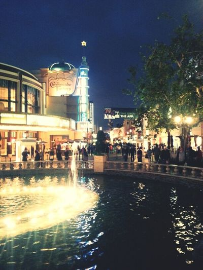 Hanging Out California Cali The Grove