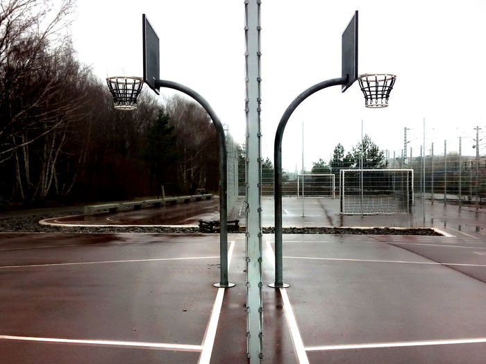 gleisdreieck parc Basketball Basketball Basket Basketball Baskets Basketball Baskets In Front Of Soccer Field Basketball Field Basketball Field Berlin Basketballkörbe Symmetrie