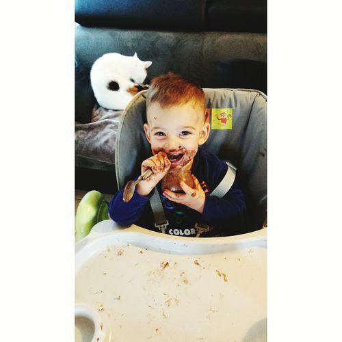 Il as voulu manger tout seul ...?? People Photography Babyboy Baby Nephew  Hello World French