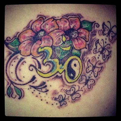 Tattoos OM Yinyang