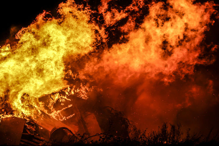 Bonfire Burning Close-up Fireball Flame Flames & Fire Heat - Temperature Night Outdoors Smoke - Physical Structure