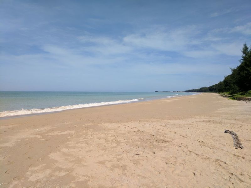 Sea Beach Horizon Over Water Blue Sand Sky Outdoors Tranquil Scene Day No People Thailand Blue Sky Waterfront Idyllic Beauty In Nature Vacations Copy Space Tourism Coastline