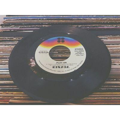 I wish I had a Record Player.. Records Music IWantA Recordplayer OldschoolStuffGoodStuffVscoVscoCampotdWednesdayMusicIsLifeHaveAgoodDayPeace