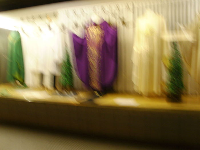 Defocused Motion Blur No People Preaching Gown Shopwindow Showing Imperfection Samsung NV7