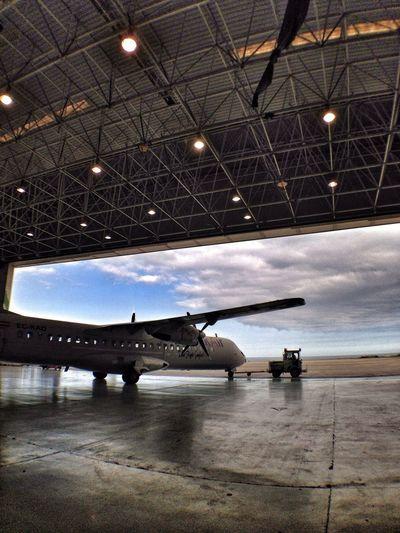 Binter Technic Aircraft ATR72 Hangar