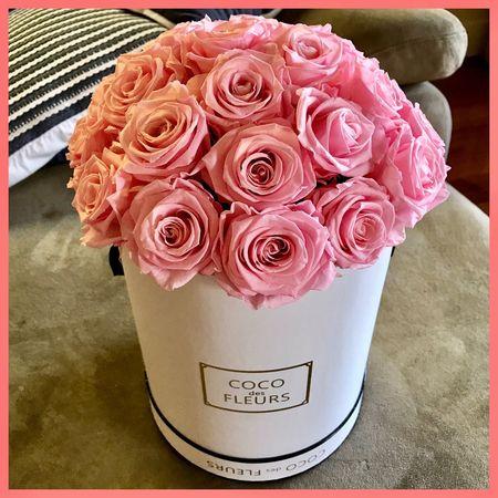Flowers by Coco des fleurs 💐💐💐 Flowers Flowerbox Flowerarrangement Pinkflowerseries🌷 Cocodesfleurs Gift Flowersoftheday Wednesday Flowersofeyeem HelloEyeEm Flowerart Flowerpower Flowervibes Present Haveagoodweek 💐💐💐