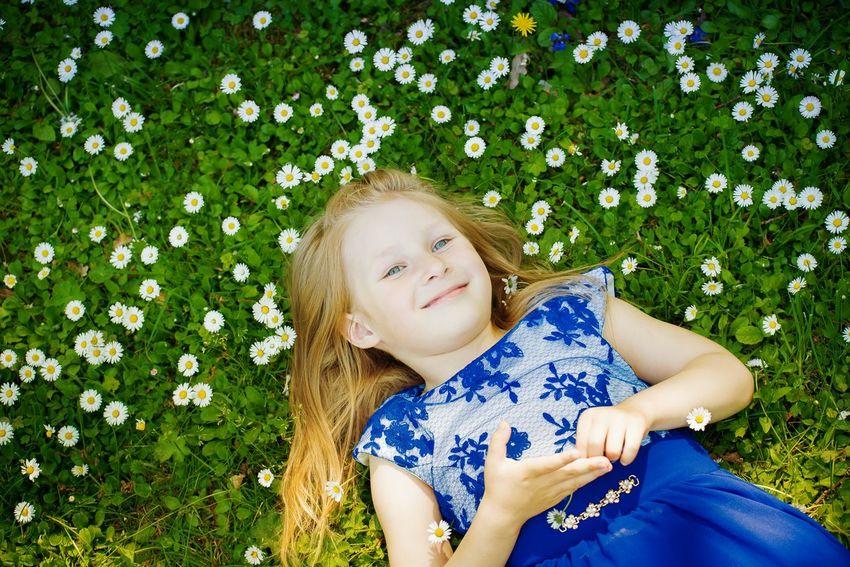 Flowers happy child