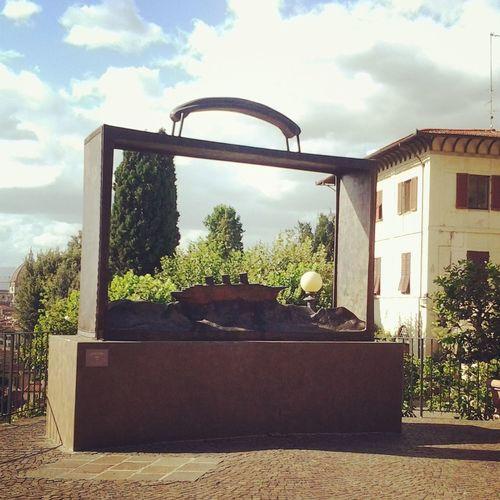 Firenze Guardinodellerose Folon Lavaligia #sculturedifolon
