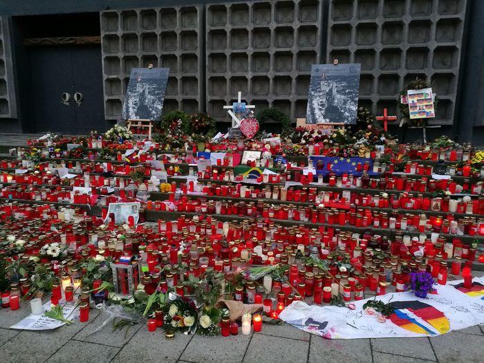 Memory Berlin Gedächtniskirche Terror Breitscheidplatz