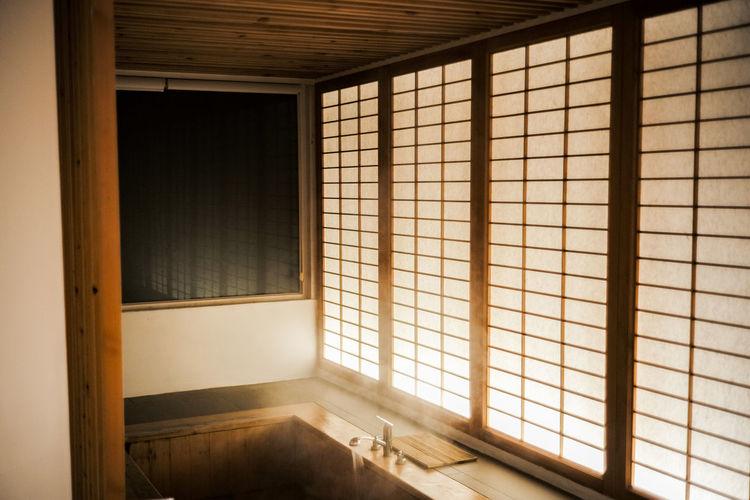 Japanese style bathtub