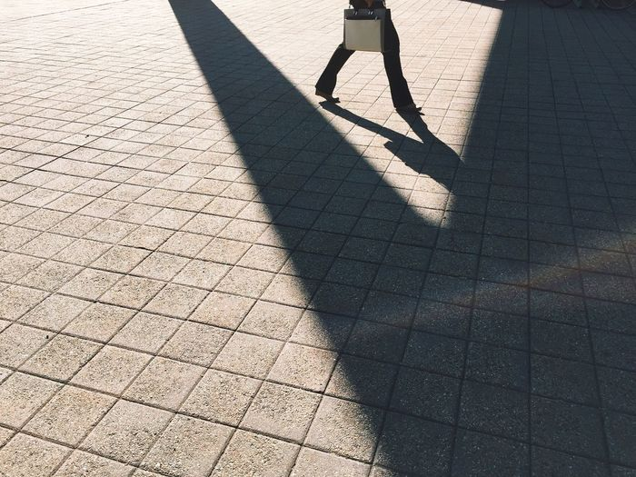 Creative Light And Shadow Urban Lifestyle The City Light Streetwise Photography
