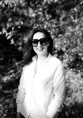 Woman EyeEm Best Shots EyeEmNewHere Huawei P20 Blackandwhite EyeEm Gallery Portrait Of A Woman EyeEm Selects People Family Bnw Day Woman Outdoors Life Young Women Portrait Smiling Happiness Summer Looking At Camera Fashion Sunglasses Fun Long Hair This Is Natural Beauty