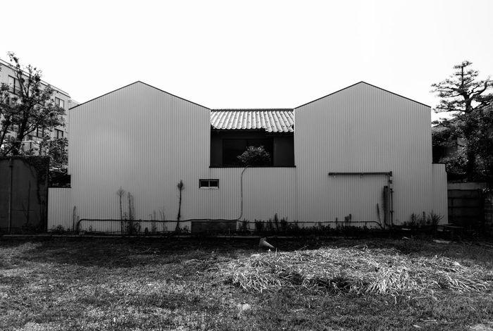 Art Artな写真 Black And White Blackandwhite House Japan Monochrome Photo Photography Streetphotography Symmetrical スナップ モノクロ 写真 写真家 家 左右対称 日本