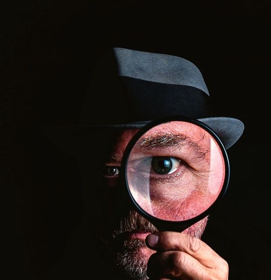 Checking you out Eye Studio Shot Mystery Human Eye One Man Only Detective Portrait Eyeball Fedora  Jeff Sinnock Disguise Getty Images Search Magnifying Glass Closeup Enlarge The Portraitist - 2018 EyeEm Awards
