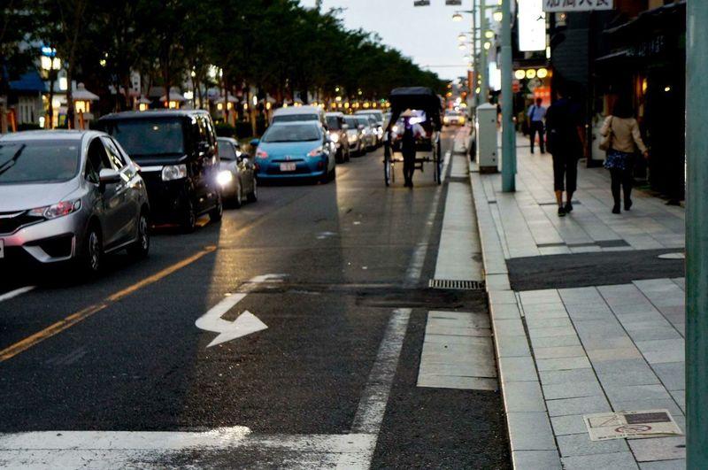 人力車 Japan Photography Japan Transportation Motor Vehicle Mode Of Transportation Car Street City Road City Life