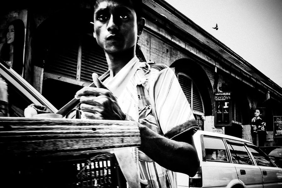 Featuredcollectives Street Photography Streetphoto_bw Low Angle View Outdoors Portrait Bird Streetphotography Everybodystreet Everydayasia Everydaymyanamar Cmmaung Cmmaungme Yangon