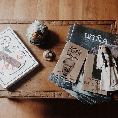 Cosas de casa 🏡📚 Nicanorparra Artefactos Charlesbukowski Charlesbaudelaire Wina Candles Ragdoll Craft House Decor Bookstagram Readersofinstagram Witchesofinstagram