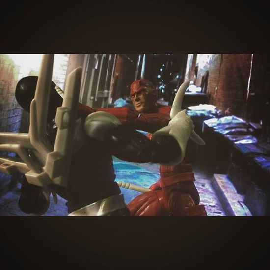 """Wheres Spiderman?!,Tell me!!"" Marvellegends ACBA Hasbro Boomerang  Daredevil Netflix Disney Infiniteseries Mcu Mattmurdock NYC Nerd Marvelentertainment Comics Amazingspiderman Spidey Webslinger Webhead Collection Figures Figurelife Actionfigures Baf Actionfigurephotography Figurelover collector"