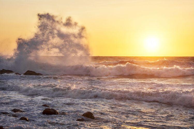 Crashing waves