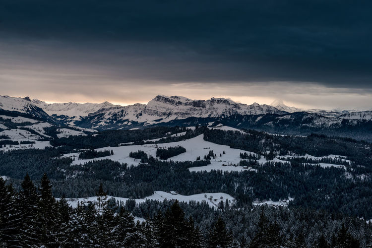 Wintermorgen über dem Emmental mit Stockhorn in der Distanz Beauty In Nature Cloud - Sky Cold Temperature Day Landscape Mountain Mountain Range Nature No People Outdoors Scenics Sky Snow Sunset Tranquil Scene Tranquility Winter
