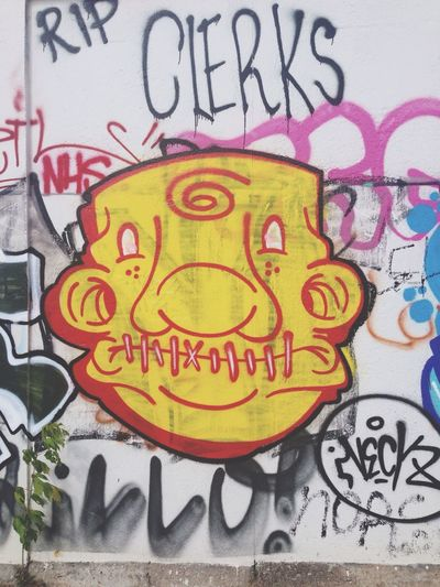 Hinter der Mauer // Niemandsland Clerk Street Photography Graffiti Saturday Sun