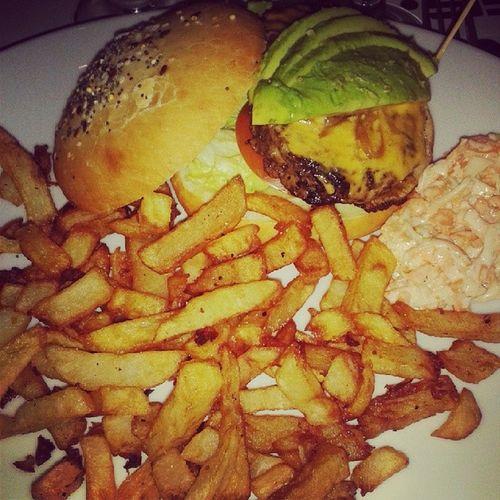 Tataburger Levrette Avocat Lavocatenlevrette burger wine friends paris french foodporn restaurant burger chips hamburger