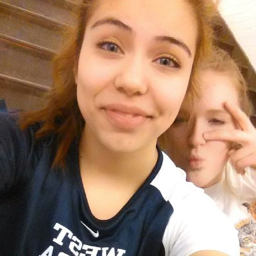 I love how this girl told me to stop taking selfies and calls me ugly... then jumps in my picture -_- Socccer_girls <3