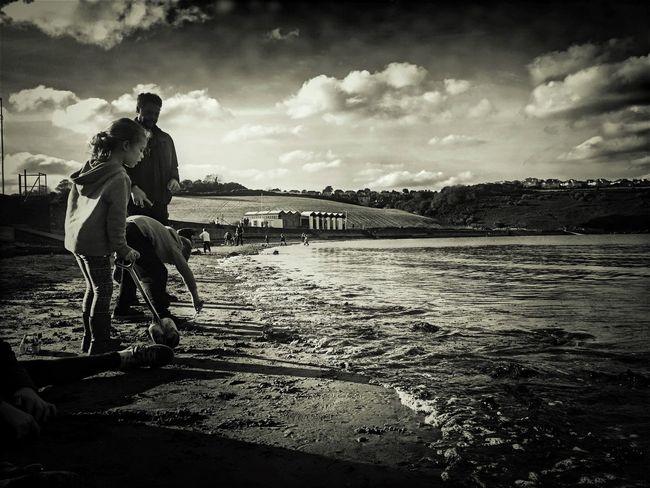 Wandering IPhoneography Sky Black & White IPhone Photography Fortheloveofblackandwhite Tadaa Community By The Sea Blackandwhite Black And White Photography