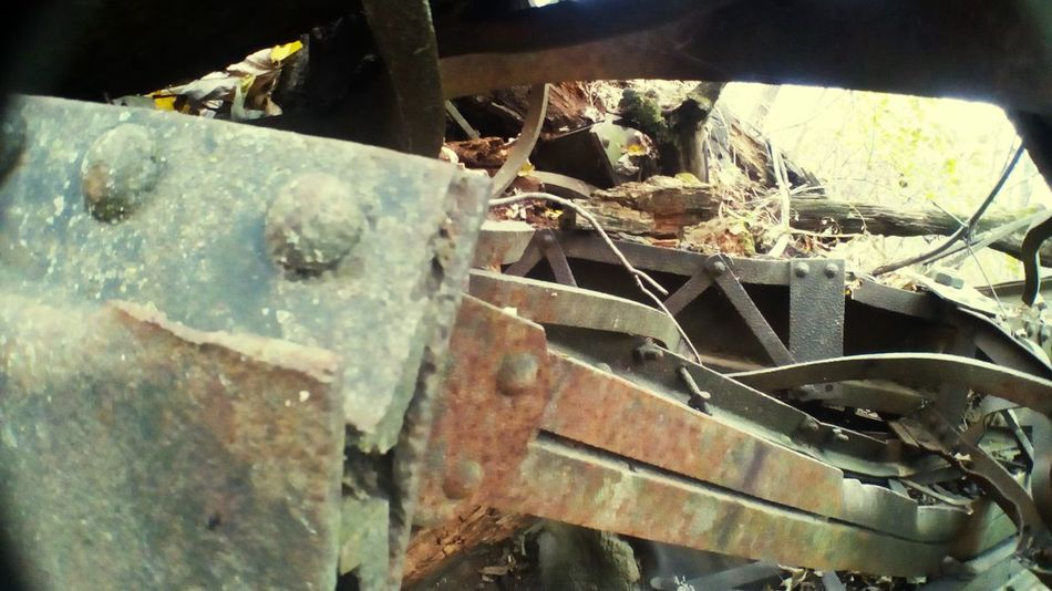 Outdoors Tangled Rusty Metal Scrapmetal Bendable NOT Breakable!