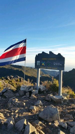 Costa Rica Cerro Chirripo Chirripo Parque Nacional Chirripó Bandera De Costa Rica Costa Rican Flag Cumbre CIMA Punto Más Alto De Costa Rica The Traveler - 2018 EyeEm Awards