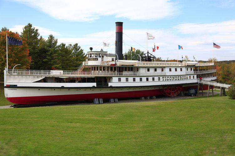 Sidewheeler Steamer Ticonderoga