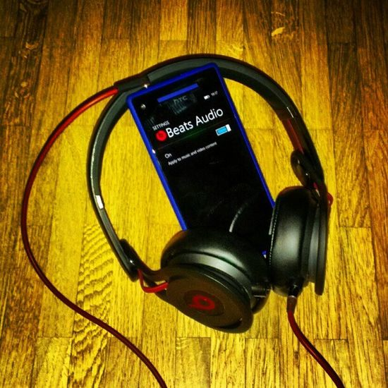 Bigger beats, better HTC sound. :-) #Beats #HTC #HTC8X #WindowsPhone8 BEATS HTC Windowsphone8 Htc8x