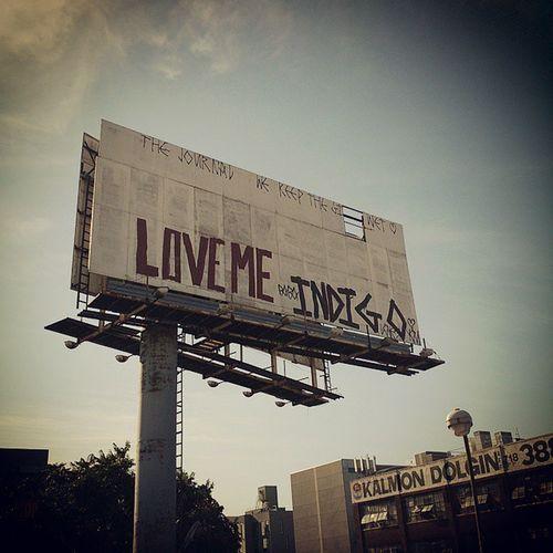 Lovemeindigo Sign Brooklyn Graffiti ?