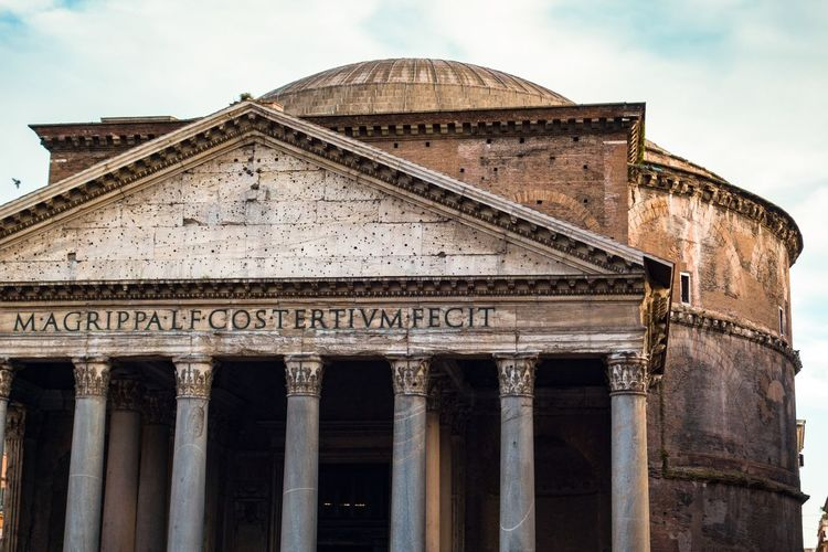 Architecture Built Structure Building Exterior History Architectural Column Travel Destinations Tourism Ancient Ancient Civilization No People Travel EyeEmNewHere Italy 🇮🇹 Italia Roma Rome Pantheon Romans Dome Historic Historical Building Historic Site Roman Empire Latin Worship Place The Architect - 2017 EyeEm Awards