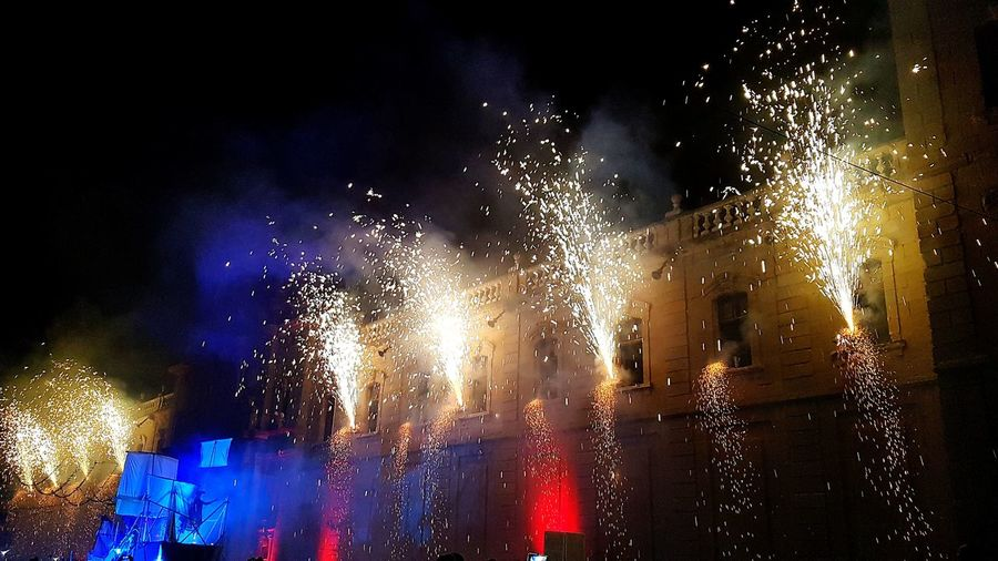 Night Celebration Fireshow University Of Cervera Capture The Moment Arts Culture And Entertainment Greatmoments Cervera 2017 Agosto 2017 Witchesfalls Nochedeburbujas Pasión Por Fotografías❤ Traditional Festival Brujeria  CovenBestshot 👌👌👌 Best EyeEm Shot Aquelarre De Cervera 2017 Whitches Night Aquelarre De Brujas Witch Enjoying Life Party Aquelarre