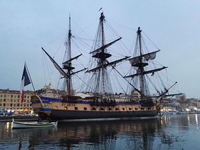 Hermione Bateau Trois Mats Tall Ship Water Sailing Ship Nautical Vessel Sea Harbor Mast City Commercial Dock Moored