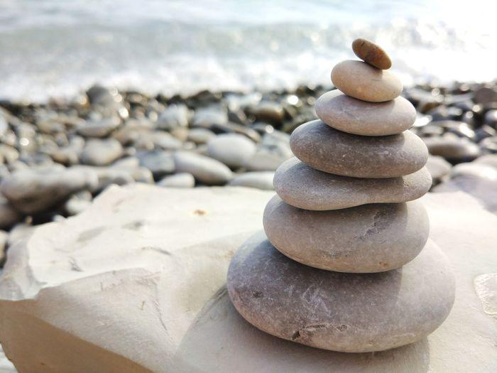 Keep balance EyeEm Selects Salt - Mineral Sea Water Beach Stack Summer Pebble Sand Balance Rock - Object Pyramid Shape Stack Rock Pyramid Stone - Object Stepping Stone Spa Coast Rocky Coastline Rock Formation