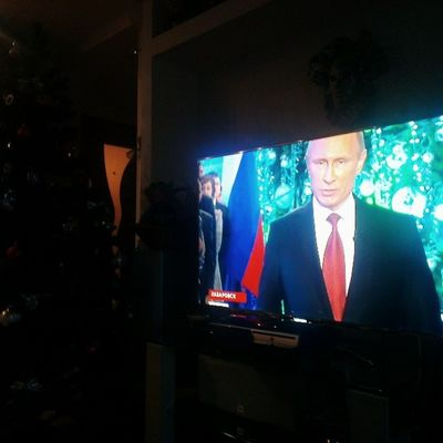 Утренний выпуск новостей по российскому ТВ превратился в программу о Путине. Путин, Путин, Путин - везде уже 15 минут Путин. новыйгод путин